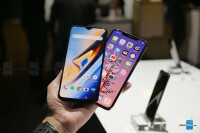 OnePlus-6T-vs-Apple-iPhone-XS-Max-first-look-1-of-16