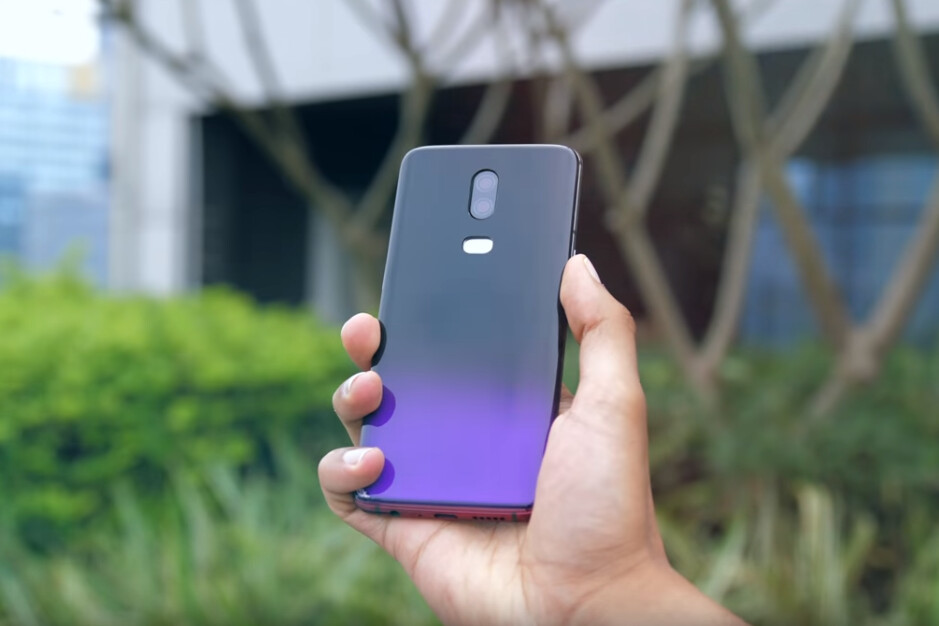 """OnePlus 6 prototype in purple. Could the finish become official with the OnePlus 6T? Image courtesy of Mrwhosetheboss - OnePlus 6T """"Thunder Purple"""" variant could be real, here's what it might look like"""