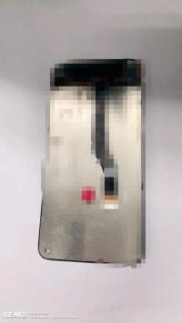 Samsung-infinity-o-display-panel-back