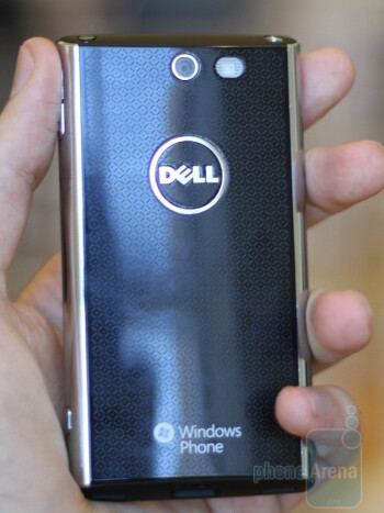 Dell Venue Pro has an elegant body with chrome edges