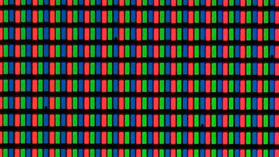 Typical RGB LCD matrix - iPhone XS True Tone: how to get rid of the yellow hue