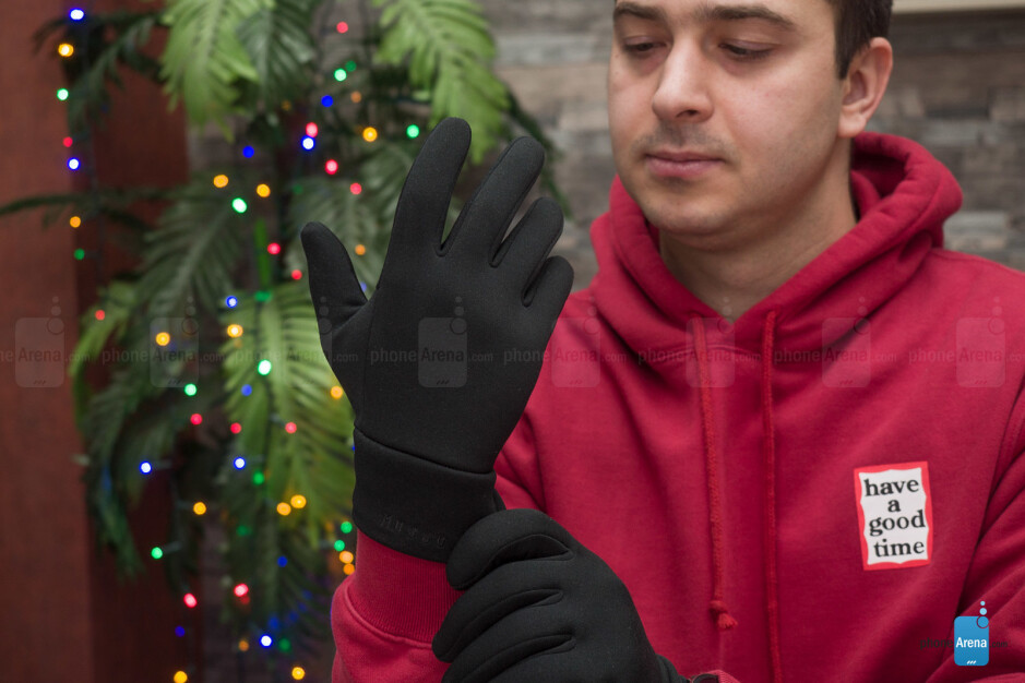 The Mujjo Smartphone Gloves have rubbery ridges on the palm side for better grip - Mujjo Smartphone Gloves: you wouldn't know you need a pair until you try them [hands-on]
