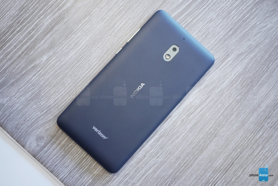Nokia 3.1 Plus and 2V hands-on: they're on carriers!