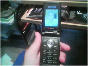Sprints to get the RAZR-like Samsung SPH-A900