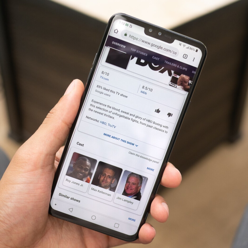 On the left is the LG G7. On the right— the LG V40. The differences are striking! - Why are LG phones not as popular as they once were?
