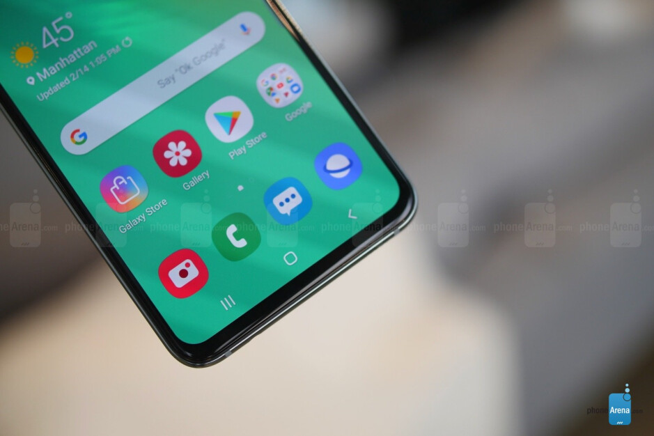 Samsung Galaxy S10e hands-on: Big features in a smaller package