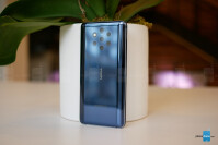 Nokia-9-PureView-Hands-On-3