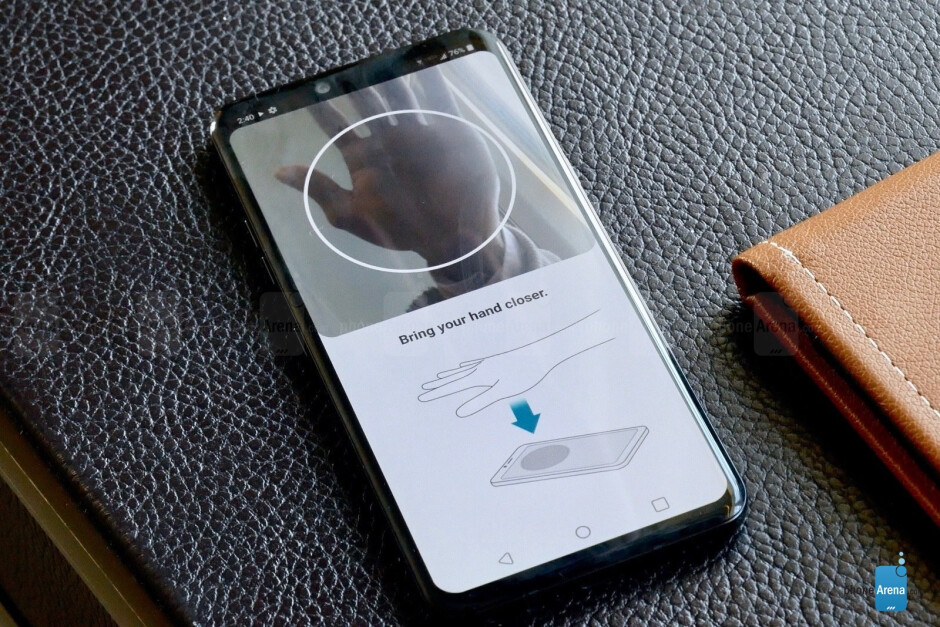 LG G8 ThinQ Hands-On: IT CAN READ YOUR VEINS