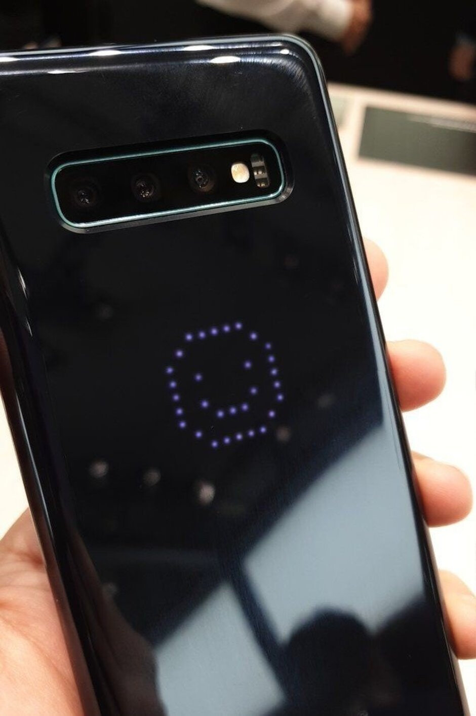 The future is here! - The Galaxy S10's fancy LED case disables the phone's NFC