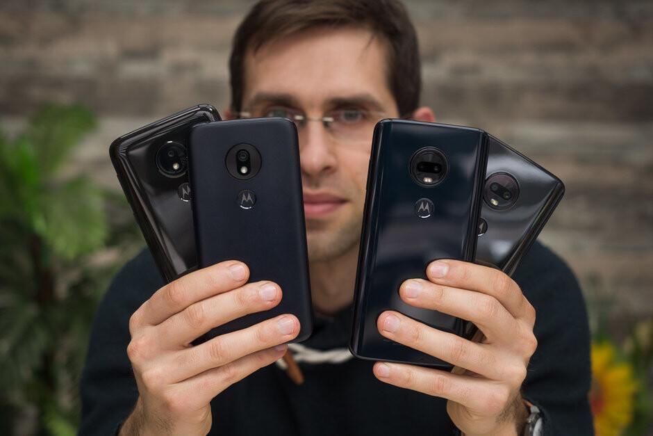 Motorola Moto G7 series (left), LG G8 ThinQ (right - Apple & Motorola grew in the US, Samsung kept its crown in Europe last quarter