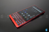 BlackBerry-KEY2-Red-Edition-unboxing--hands-on-9-of-15
