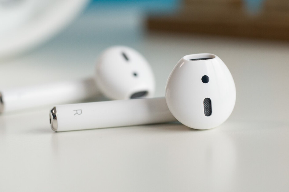 The Bluetooth antenna of the AirPods is along the battery in the stem of each earphone - Are wireless earphones safe?