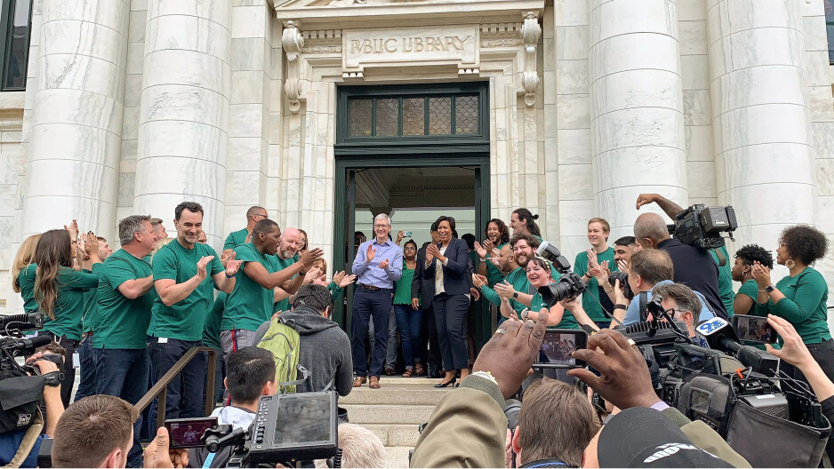 Apple opened its 505th store over the weekend, inthe Carnegie Library in Washington D.C. - Has your experience at the Apple Stores worsened indeed?