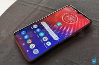 Motorola-Moto-Z4-price-release-date-US-04