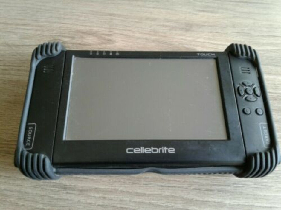 A Cellebrite Touch machine available today on eBay - All iOS devices can be unlocked says maker of leading cracking device