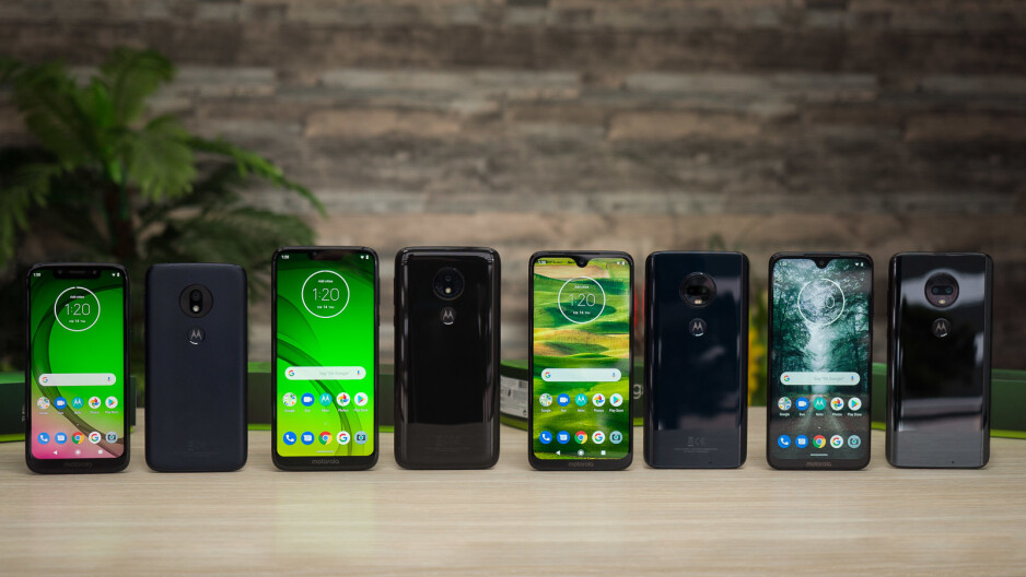 The Moto G7 series pictured front and back — G7 Play, G7 Power, G7 Plus, G7 - Moto G evolution: excellent averageness through the years