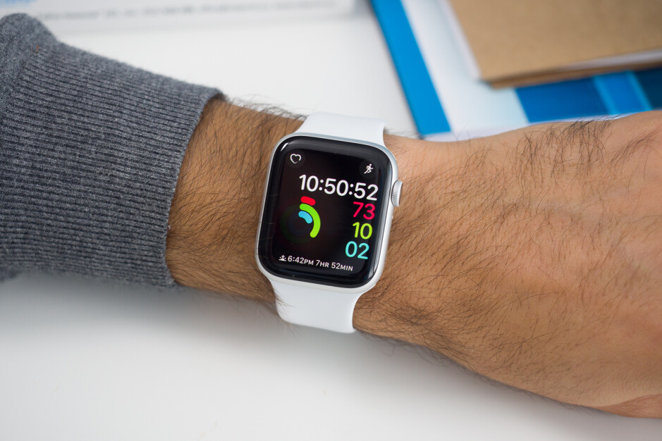 Apple Watch Series 4 - Apple Watch Series 4 outsold every other smartwatch in 2018