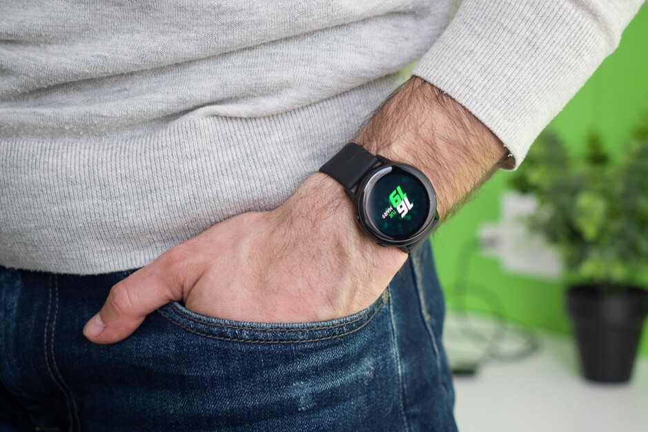 Expect more health and fitness-focused features - Samsung Galaxy Watch Active 2 render shows leather band, accented power key