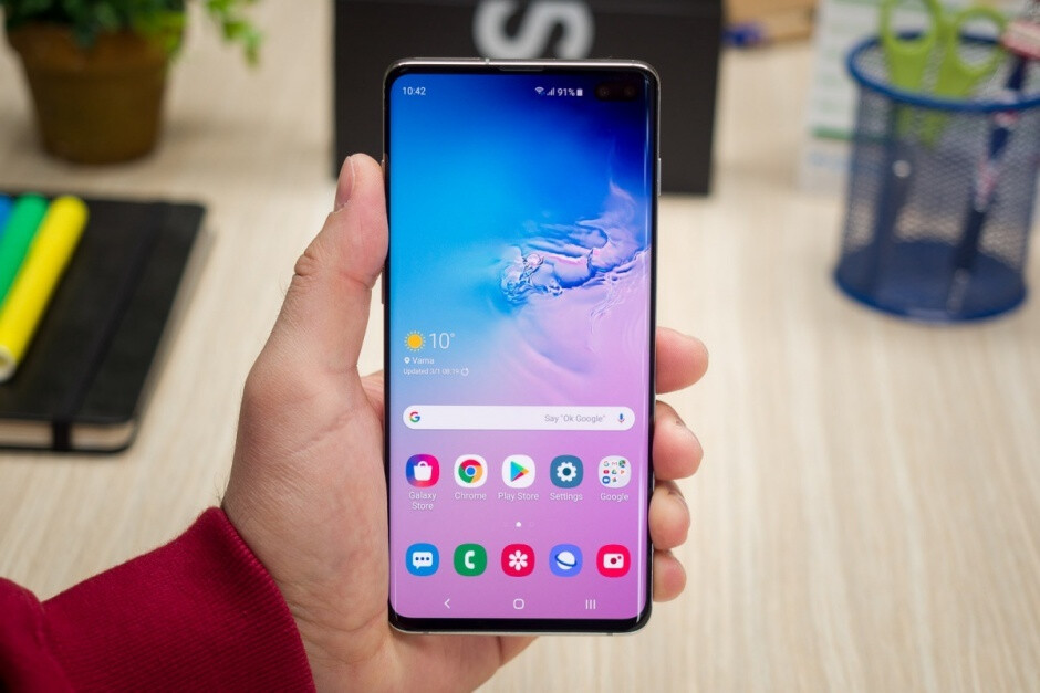 The gorgeous Galaxy S10+ design might be one of the reasons iPhone loyalty is declining - iPhone loyalty drops to its lowest level in a long time as users flock to Samsung