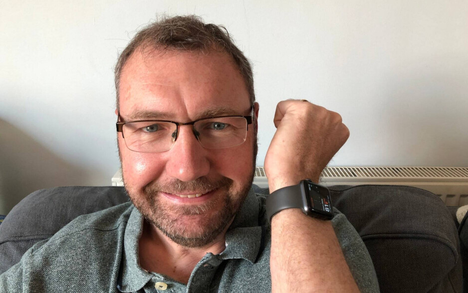 Paul Hutton and the Apple Watch that saved his life - Unusual reading on the Apple Watch saves a man's life