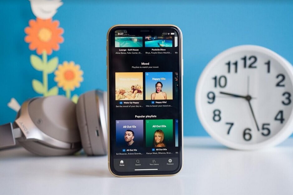 Spotify has complained about Apple's 30% cut of in-app revenue although the truth is somewhat different - Tinder swipes left on the Google Play Store's payment platform