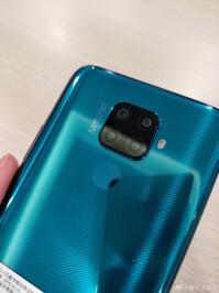 Huawei-Mate-30-Lite3
