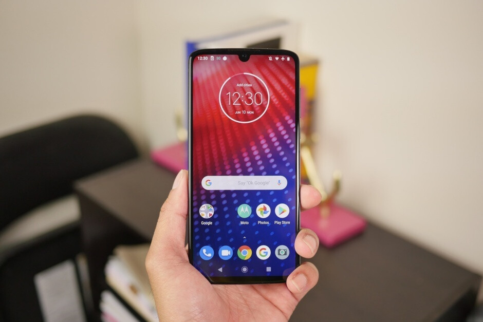 Motorola needs to do better than the upper mid-range Moto Z4 to sustain long-term US growth - Motorola is quietly thriving in the US, but it needs a real flagship to get to the next level