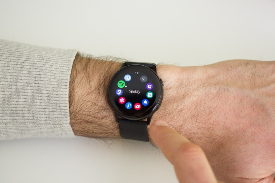 The Galaxy Watch Active is sure pretty, but it still lacks a truly compelling use case - Why is everyone so far behind Apple in the smartwatch market?