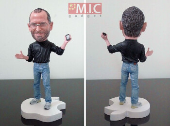 Steve Jobs action figure available for die-hard Macheads