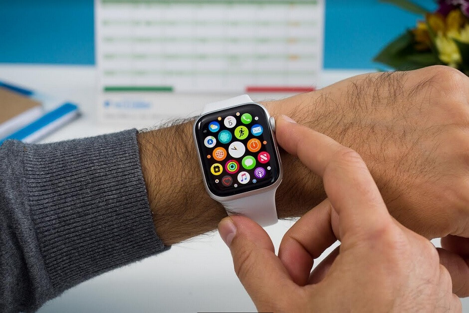 The Apple Watch series 4 features an electrocardiogram and a heart-rate monitor - Study finds that Apple's mobile devices can help diagnose a serious health issue