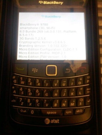AT&T-flavored BlackBerry Bold 9780 appears on eBay