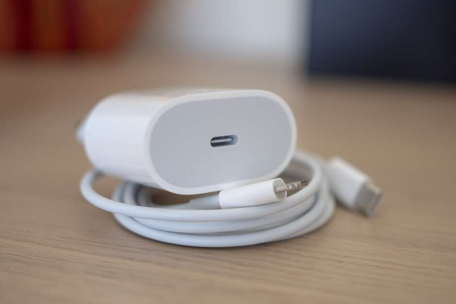 The new 18-watt charger that comes in the box features a USB-C connection and is bigger than before - iPhone 11 Pro and Pro Max fast charging tested: it makes a HUGE difference!