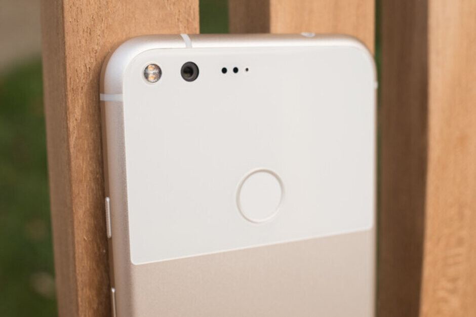 Affecting mostly Pixel XL users, the PIN screen bug puts the phone in an endless loop - Some Pixel users are getting locked out of their phones thanks to a nasty bug