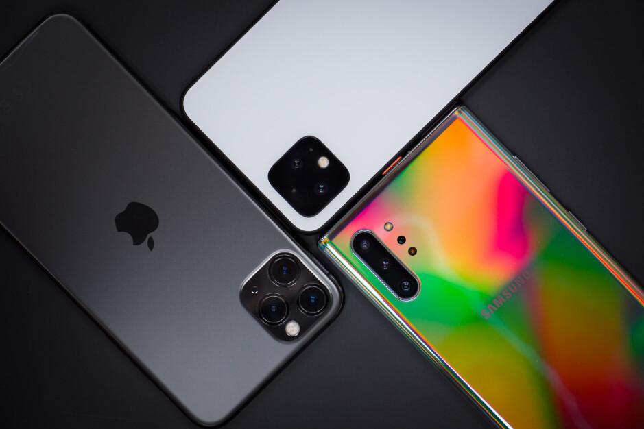 Google Pixel 4 XL vs iPhone 11 Pro Max vs Galaxy Note 10+: Low-light Camera Comparison