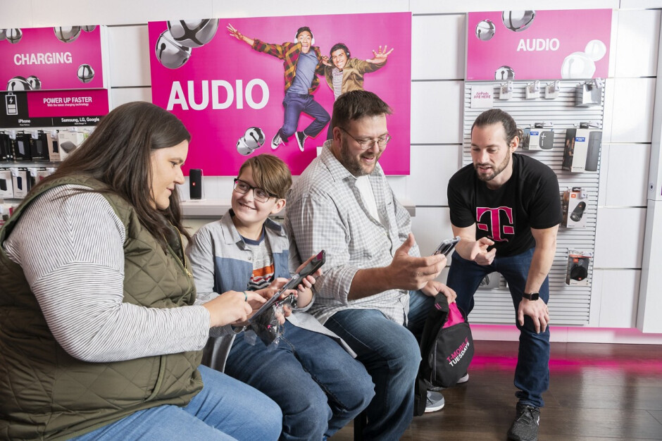 The Kotzatoskis are T-Mobile's first 5G family, straight from a T-Mobile store in Lititz, PA - T-Mobile's 5G coverage is live, compare with Verizon, AT&T and Sprint 4G speeds by band