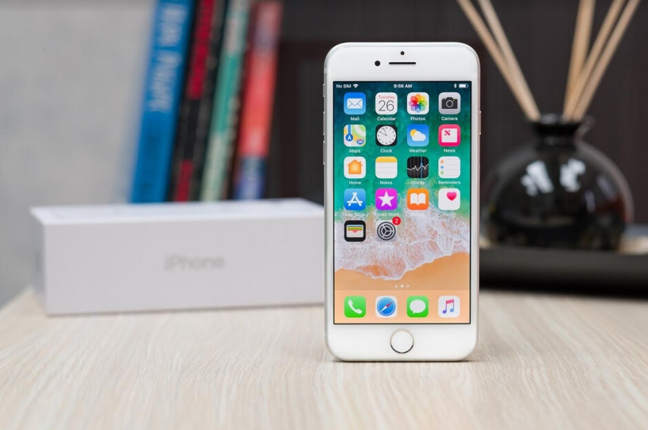 At a distance of 0mm, the RF radiation released by the iPhone 8 was five times the legal limit - Apple, Samsung sued over phones that release excessive radiation