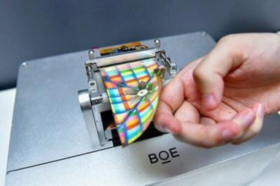 BOE's flexible OLED panel has reportedly been approved by Apple for use on the 2020 iPhone - Apple will reportedly start to phase out Samsung as a supplier of this major iPhone part