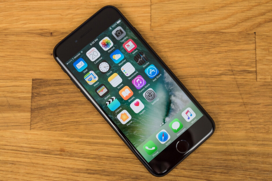 iPhone 7 - Yet another iPhone 9 variant might be in the works, this one with Face ID