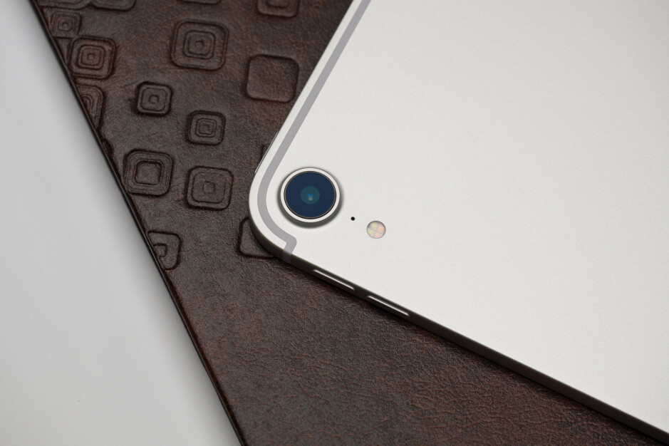 The 2018 11-inch iPad Pro - New iOS 13 update fixes major issue that affected iPhone users for months