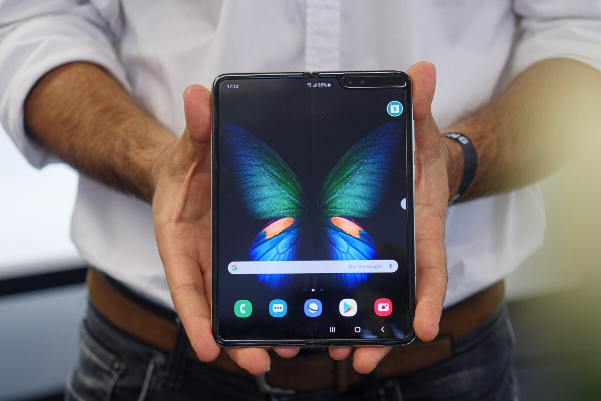 Samsung Galaxy Fold - Foldable smartphones may not go mainstream for another few years
