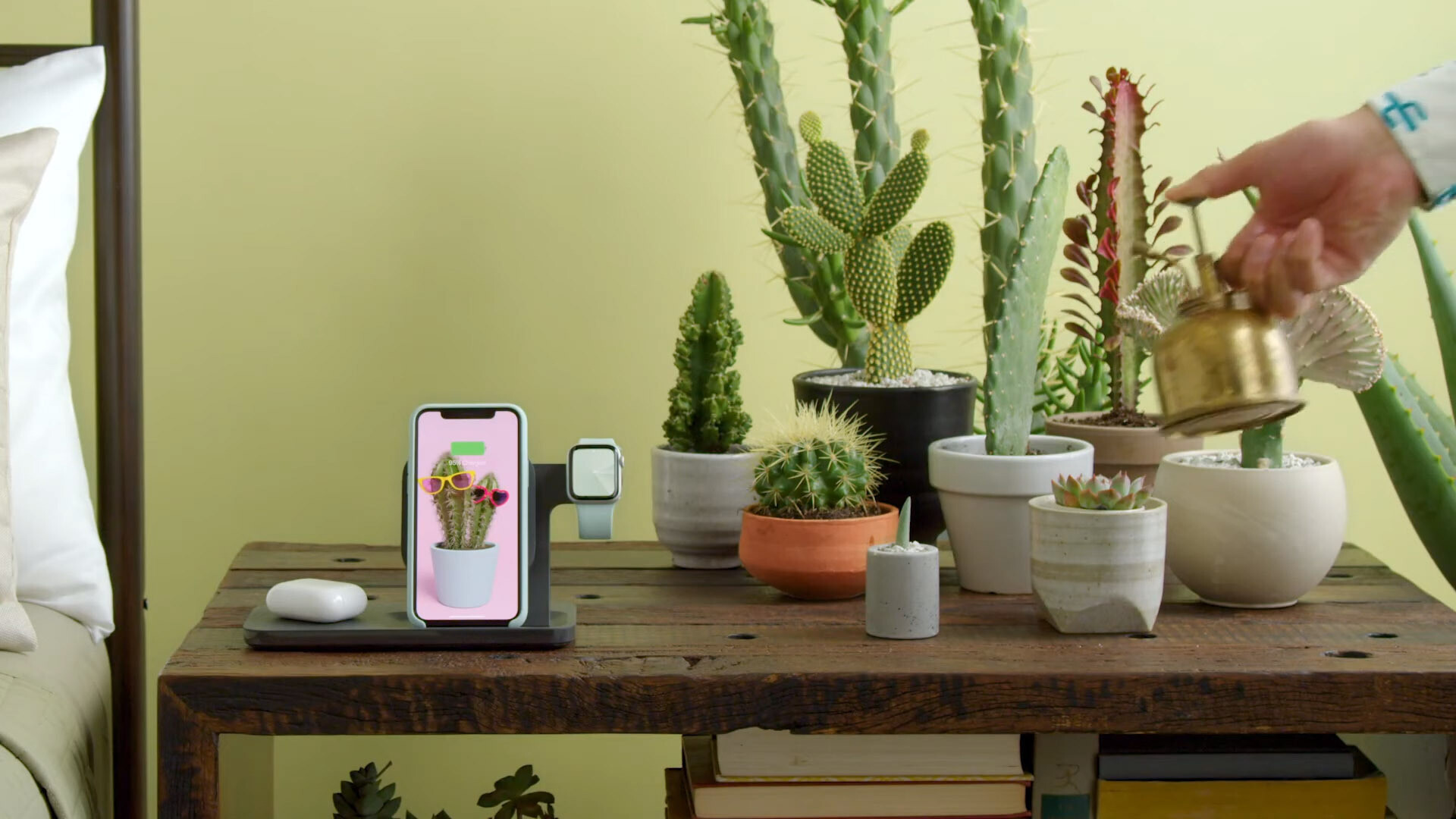 Logitech POWERED Wireless Charging 3-in-1 Dock - Logitech's Powered wireless charger tops up iPhone, AirPods and Watch, at AirPower price