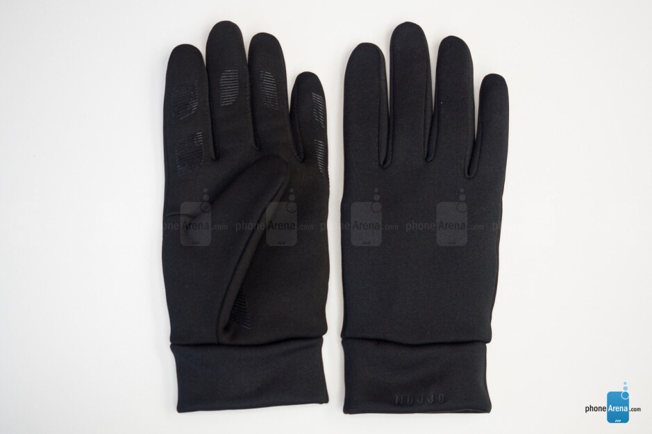 The Mujjo double-insulated touchscreen gloves are designed to withstand colder temperatures - Mujjo Smartphone Gloves: you wouldn't know you need a pair until you try them [hands-on]