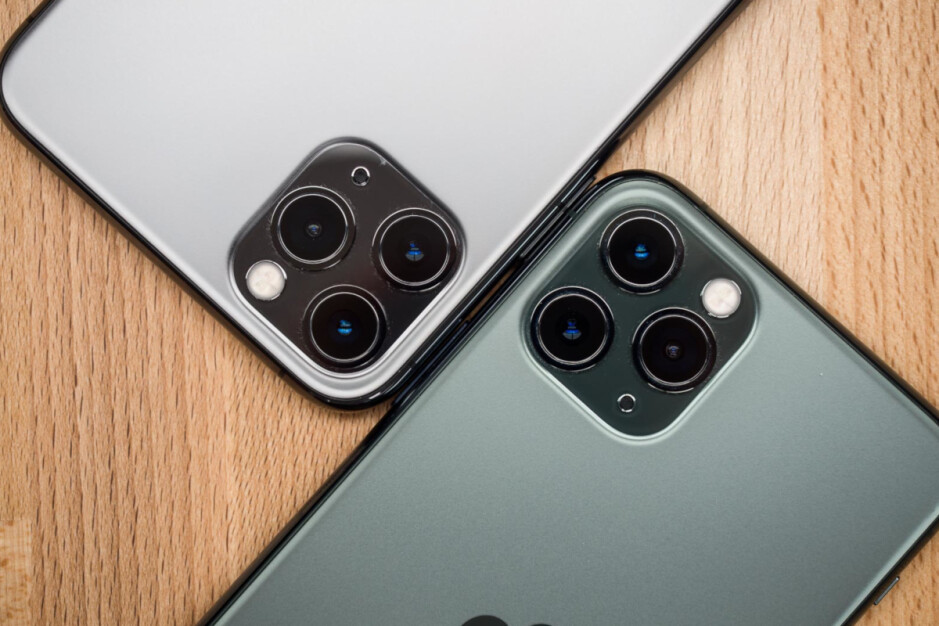 Apple limits the number of units an Apple Store customer can buy of the same iPhone model - Apple blocks purchases of two or more of the same iPhone model