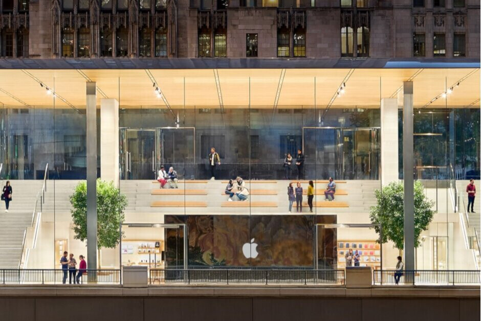 Apple Store workers are being asked to handle technical support questions from home - Apple Store workers are being asked to work from home