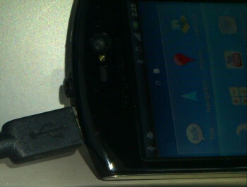 Previously unseen high-end Sony Ericsson phone running Gingerbread is spotted