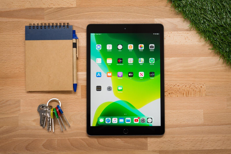 The 2019 10.2-inch iPad - New iPad Air with in-screen Touch ID, slim bezels coming September; budget iPad too