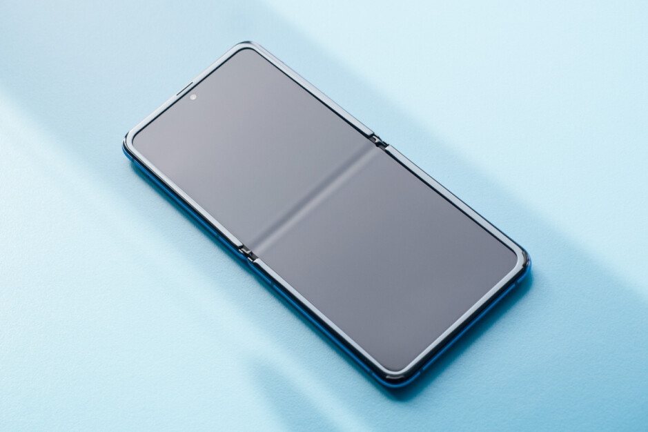 The Galaxy Z Flip uses UTG and a plastic protective film - Full Samsung Galaxy Fold 2 display specs reveal a number of major upgrades