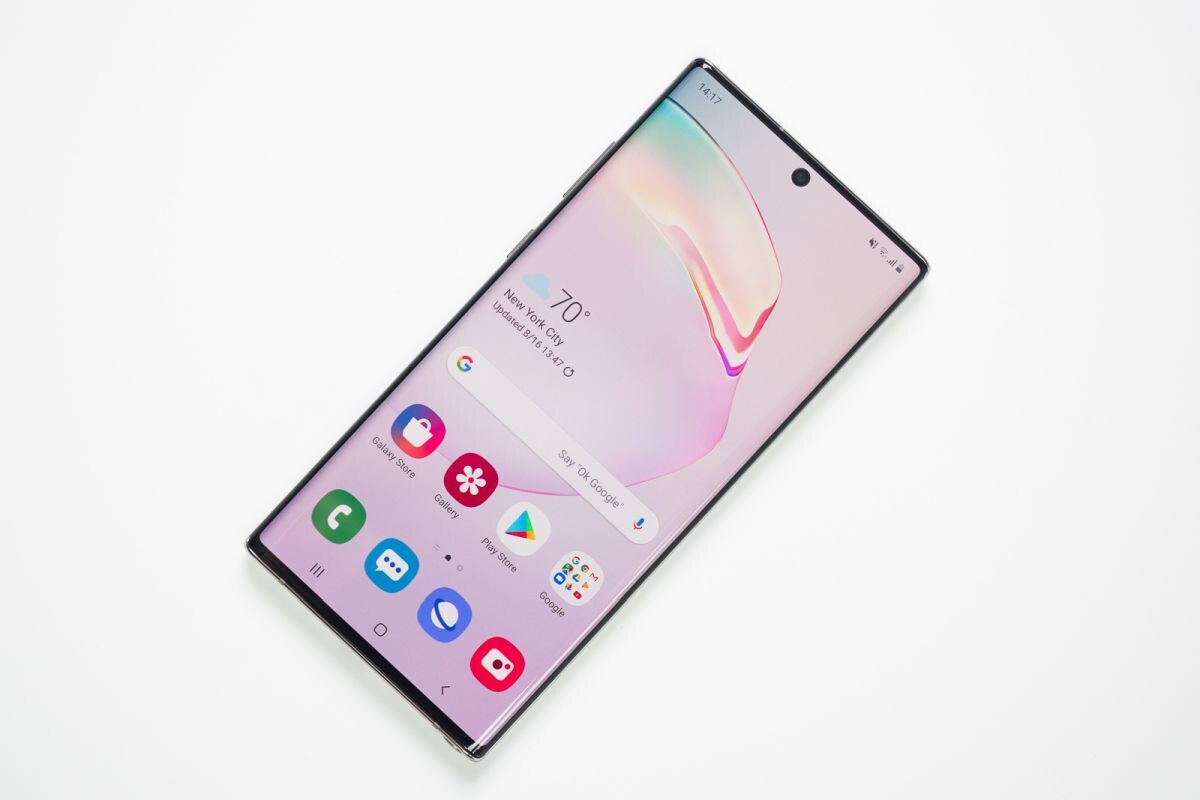 The centered hole punch of the Galaxy Note 10+ is here to stay for at least another generation - Samsung's Galaxy Note 20+ 5G and S20 Ultra could have one big thing in common
