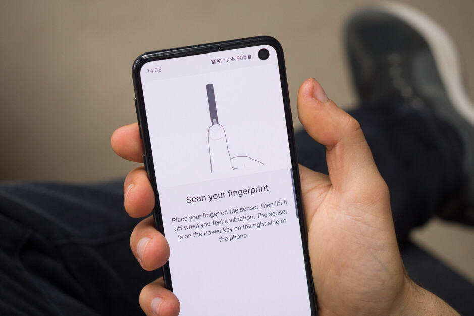 In search of the perfect compact phone: Samsung Galaxy S10e