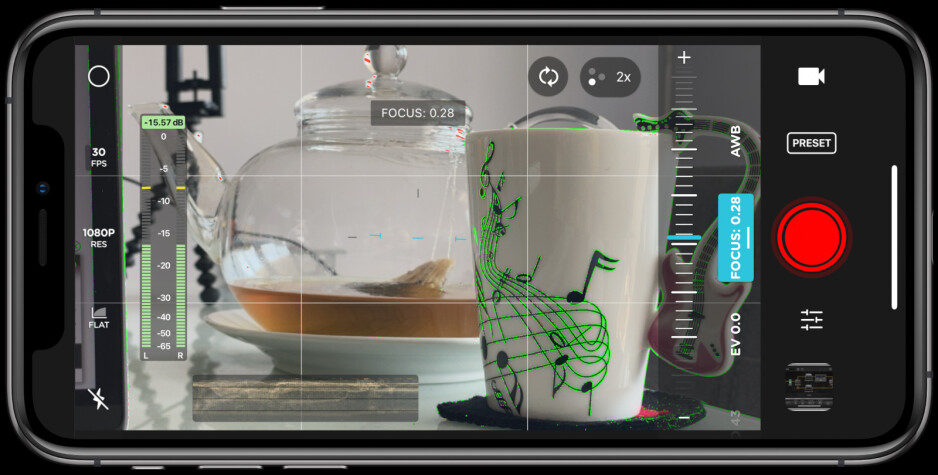 Yes, iOS too can have manual camera controls. App — Moment - Android VS iPhone power users – here's why we made our choice
